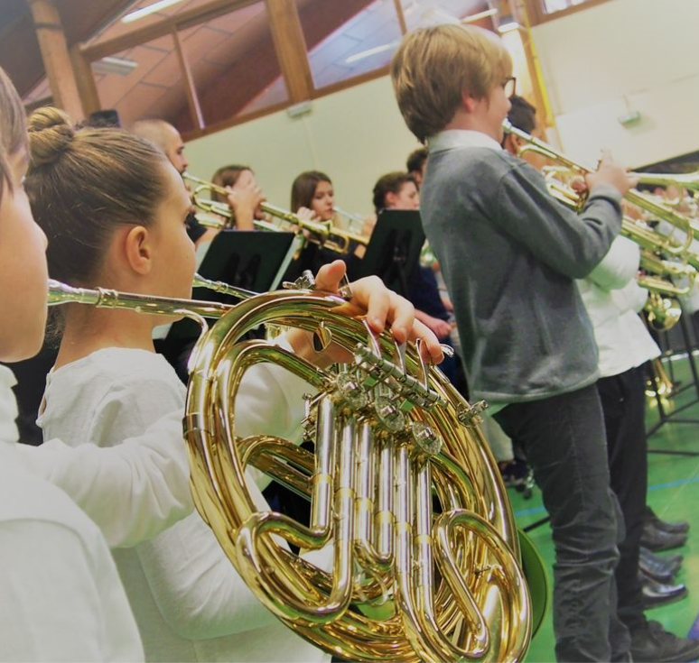 Les jeunes musiciens du projet DEMOS présentent leur 1er concert