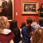 Des enfants visitent le musée Fabre