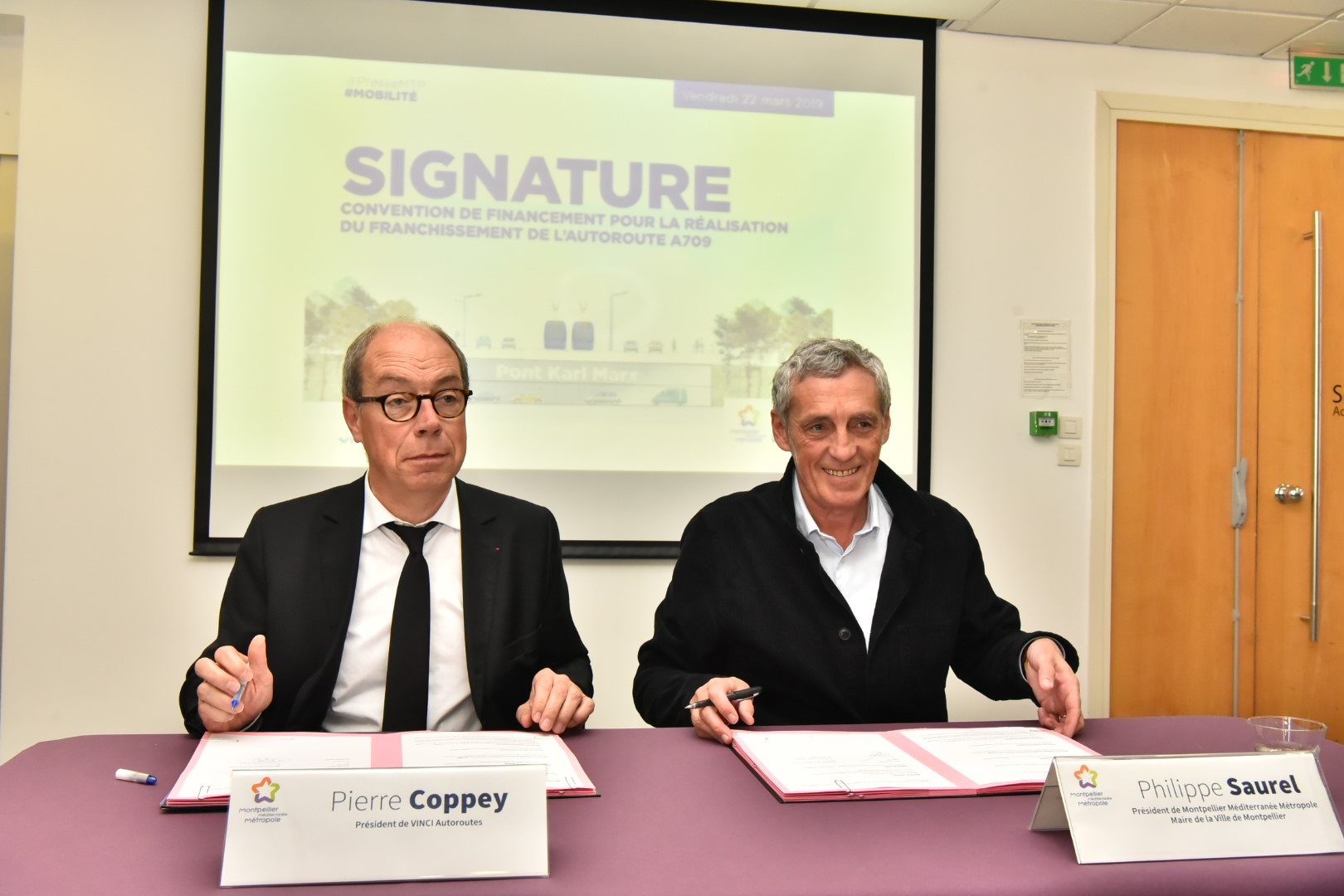 Signature convention Vinci autoroutes
